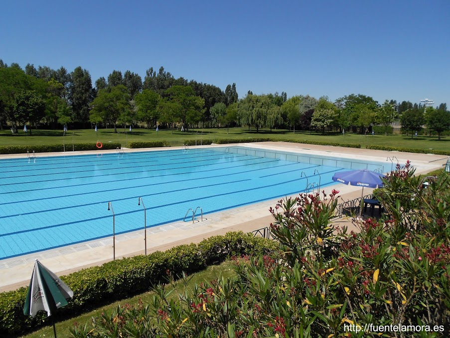 Piscina universitaria del verano 2015 for Piscinas valladolid